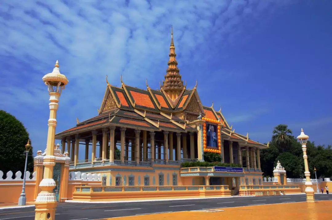 跟着财富101俱乐部走进柬埔寨鬼斧神工的神秘城市——金边